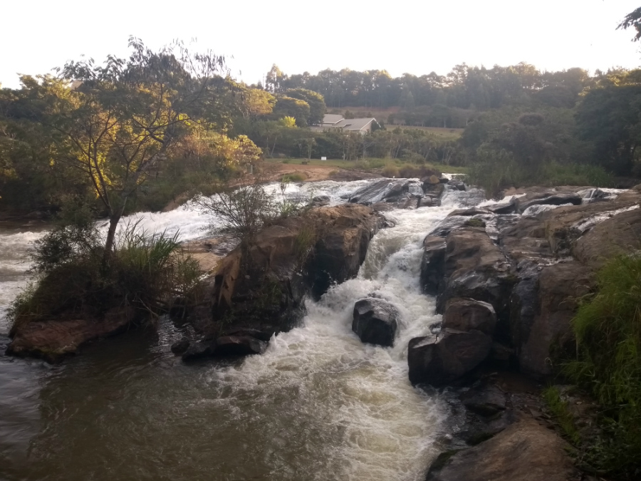 marleiturismo-marlei-turismo-cachoeira-do-jaguari-extrema-4.jpg