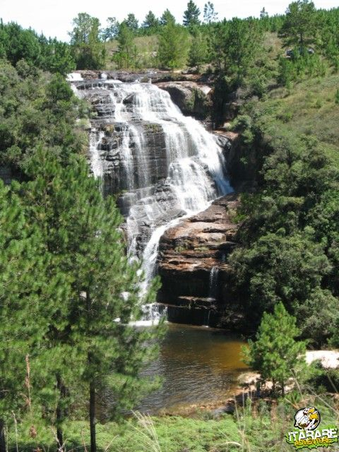 cachoeira-do-postinho-itarare-senges-1-marleiturismo.jpg