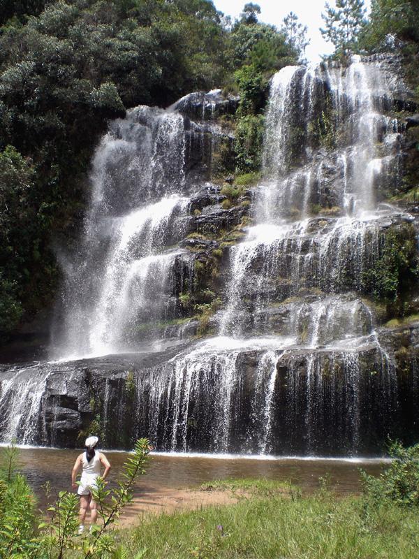 cachoeira-erva-doce-senges-itarare-2-marleiturismo.jpg