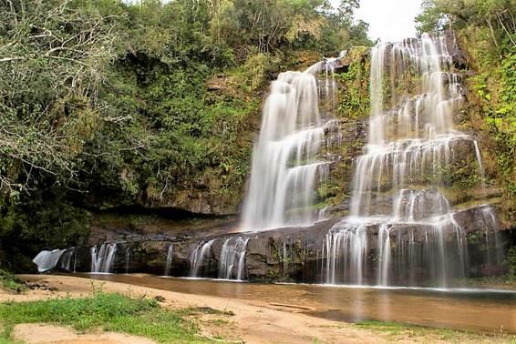 cachoeira-erva-doce-senges-marleiturismo.jpg