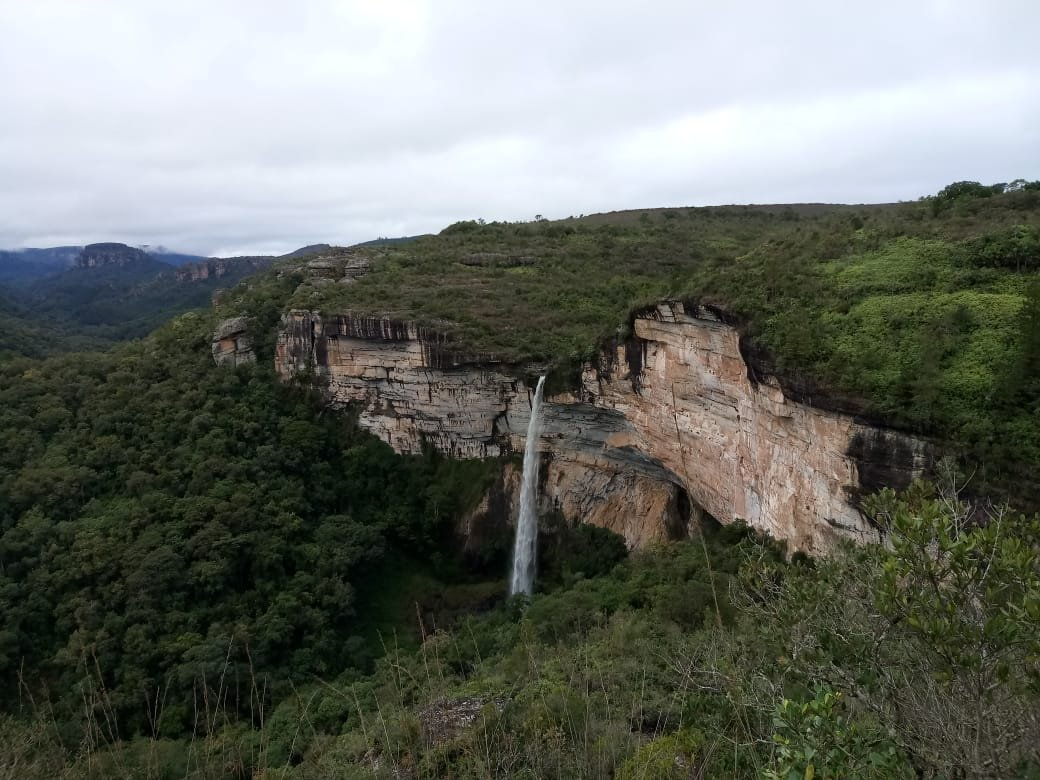 canyon-do-jaguaricatu-lado-cachoeira-marleiturismo.jpg