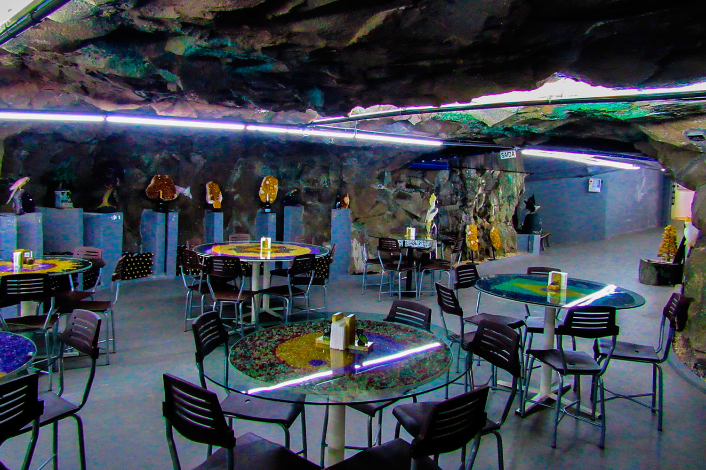 restaurante-subterraneo-mina-ametista.jpg